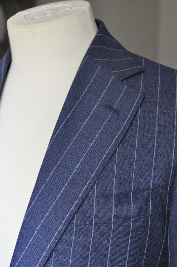 DSC0983-1 お客様のスーツの紹介- Canonico ネイビーストライプスーツ-