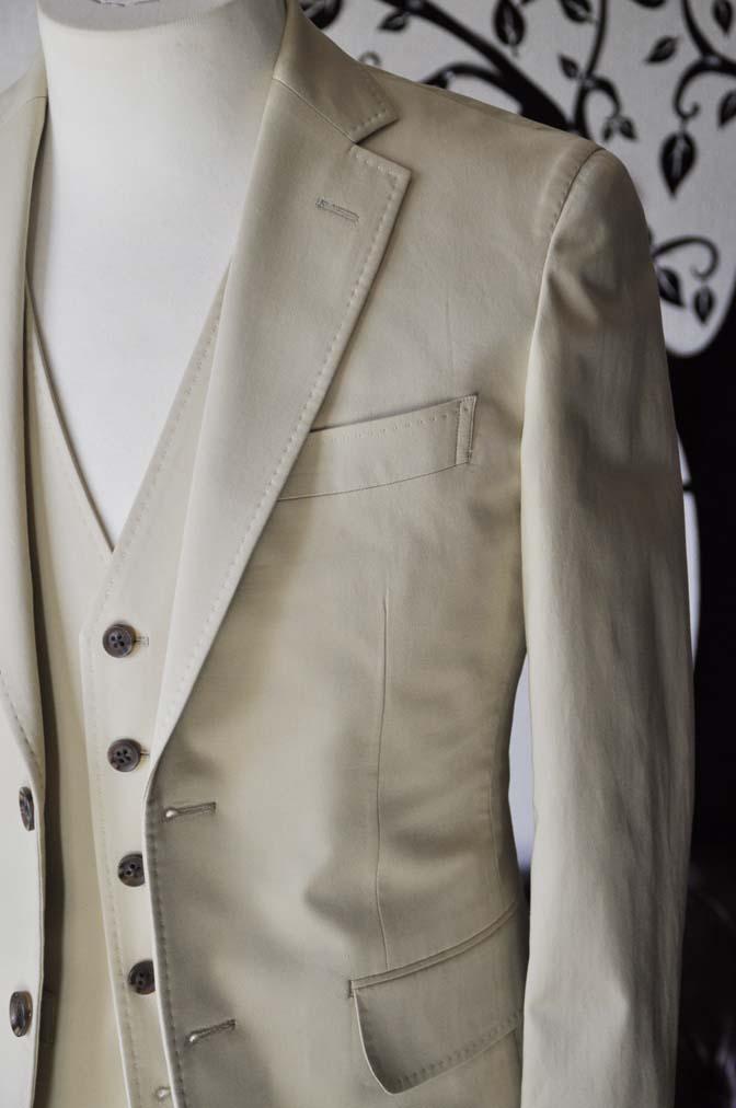DSC0983-2 お客様のカジュアルスーツの紹介-LARUSMIANI 無地ベージュコットンスリーピース- 名古屋の完全予約制オーダースーツ専門店DEFFERT