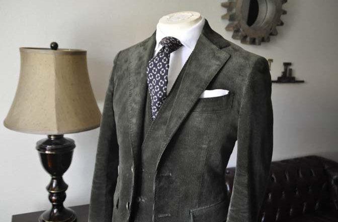 DSC0984-2-672x442 お客様のスーツの紹介 名古屋の完全予約制オーダースーツ専門店DEFFERT