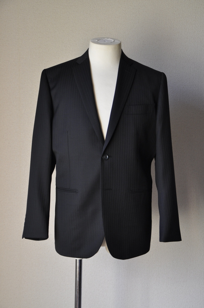 DSC09842 お客様のスーツの紹介-BIELLESI ブラックストライプ- 名古屋の完全予約制オーダースーツ専門店DEFFERT