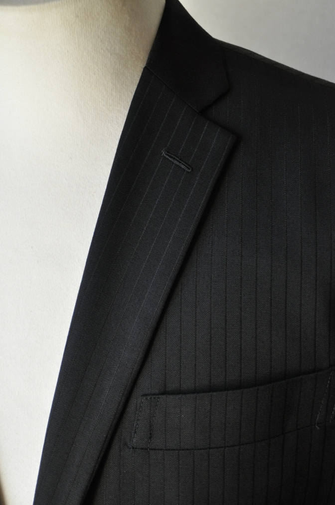 DSC09861 お客様のスーツの紹介-BIELLESI ブラックストライプ- 名古屋の完全予約制オーダースーツ専門店DEFFERT