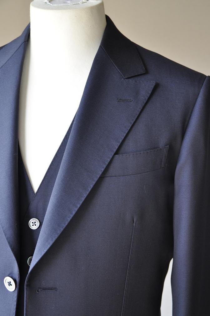 DSC09871 お客様のスーツの紹介-BIELLESI ネイビー スリーピース-