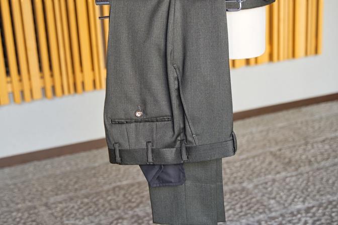 DSC09921 オーダースーツの紹介-Biellesiグリーンスーツ-