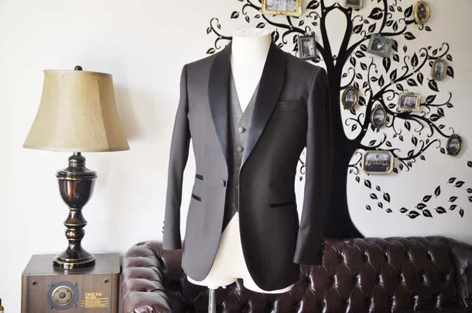 DSC0993-2 お客様のウエディング衣装の紹介- Biellesiブラウンタキシード-