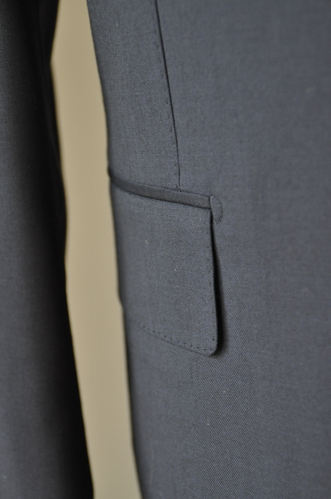 DSC0993 お客様のスーツの紹介-BIELLESI ネイビー スリーピース-