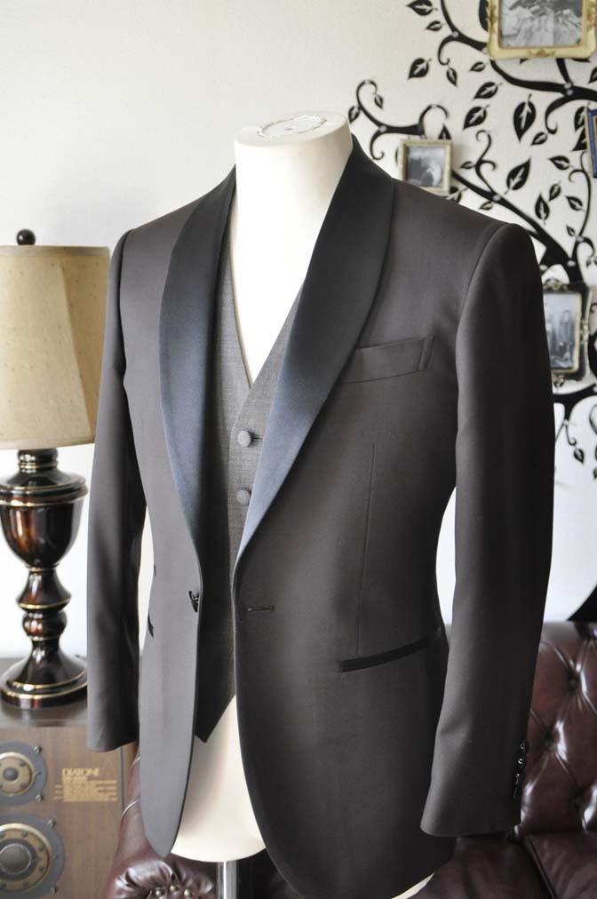 DSC0996-2 お客様のウエディング衣装の紹介- Biellesiブラウンタキシード-DSC0996-2 お客様のウエディング衣装の紹介- Biellesiブラウンタキシード- 名古屋市のオーダータキシードはSTAIRSへ