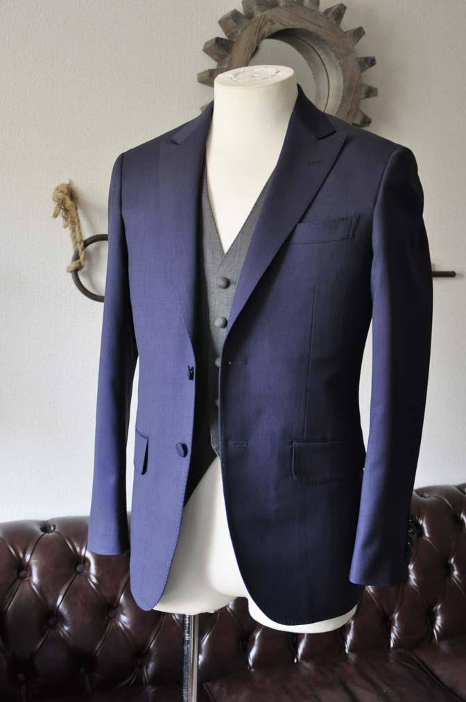 DSC1014-1 お客様のウエディング衣装の紹介- Biellesi ネイビースーツ グレーベスト-DSC1014-1 お客様のウエディング衣装の紹介- Biellesi ネイビースーツ グレーベスト- 名古屋市のオーダータキシードはSTAIRSへ
