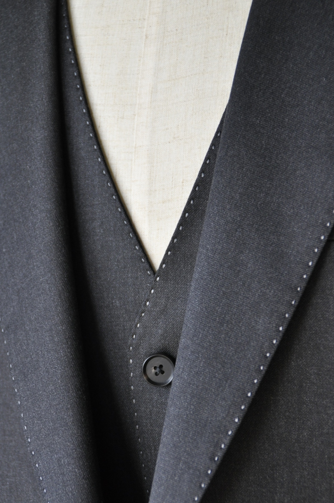 DSC10141 お客様のスーツの紹介-BIELLESI チャコールグレー スリーピース-