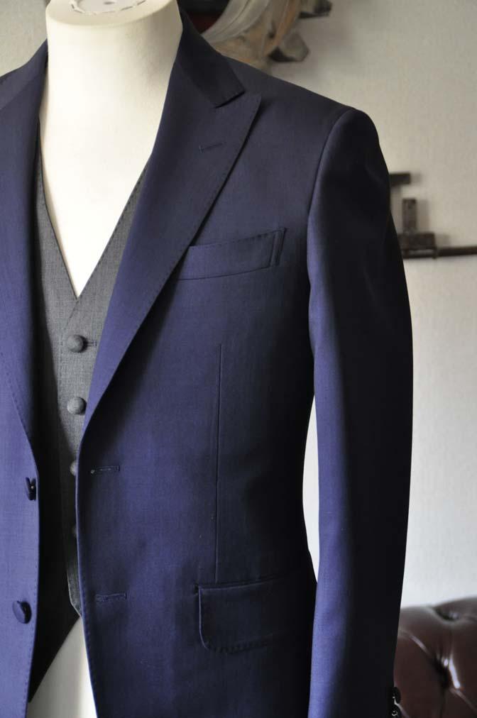 DSC1016-1 お客様のウエディング衣装の紹介- Biellesi ネイビースーツ グレーベスト-DSC1016-1 お客様のウエディング衣装の紹介- Biellesi ネイビースーツ グレーベスト- 名古屋市のオーダータキシードはSTAIRSへ