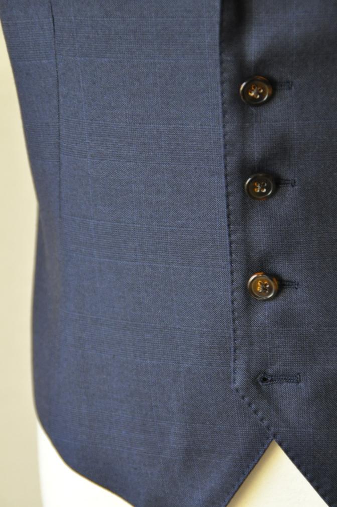DSC10162 お客様のスーツの紹介-御幸毛織 ネイビーチェック スリーピース-