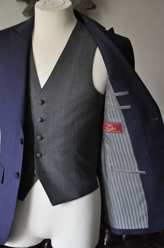 DSC1022-1 お客様のウエディング衣装の紹介- Biellesi ネイビースーツ グレーベスト-DSC1022-1 お客様のウエディング衣装の紹介- Biellesi ネイビースーツ グレーベスト- 名古屋市のオーダータキシードはSTAIRSへ