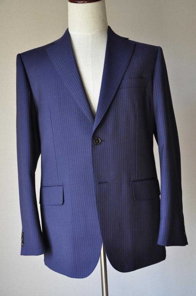 DSC10282 お客様のスーツの紹介-Tollegno ネイビーストライプ-