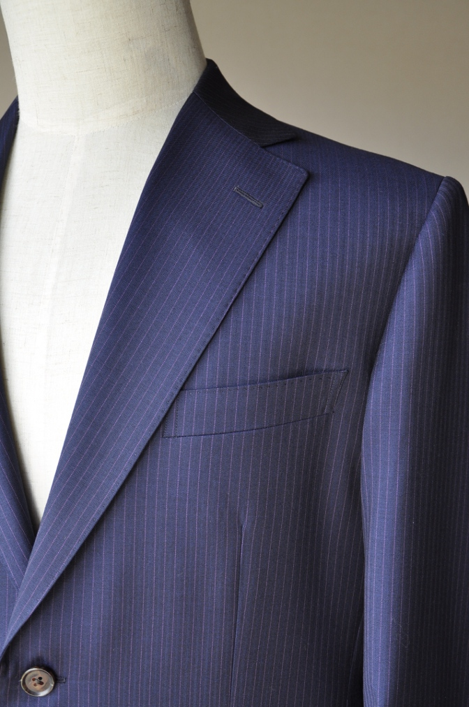 DSC10332 お客様のスーツの紹介-Tollegno ネイビーストライプ-