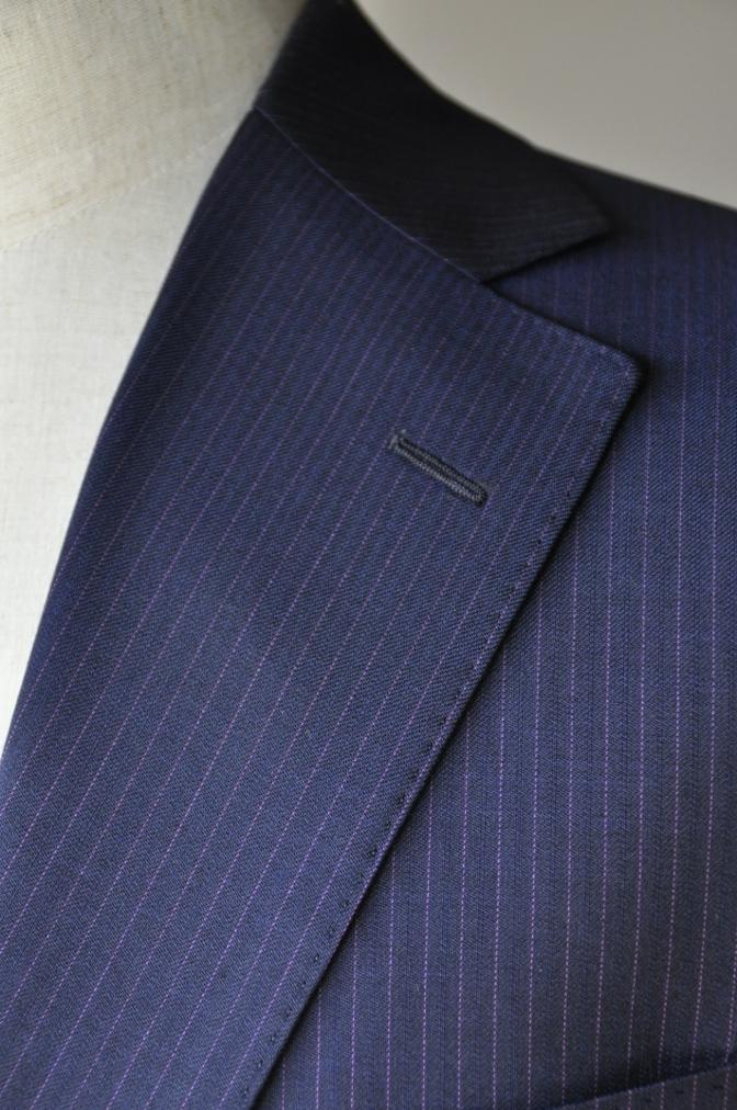 DSC10342 お客様のスーツの紹介-Tollegno ネイビーストライプ-