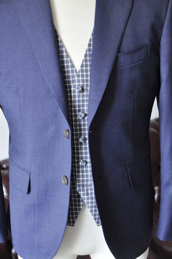 DSC1038-1 お客様のウエディング衣装の紹介- Biellesiネイビージャケット ネイビーチェックベスト ホワイトパンツ-DSC1038-1 お客様のウエディング衣装の紹介- Biellesiネイビージャケット ネイビーチェックベスト ホワイトパンツ- 名古屋市のオーダータキシードはSTAIRSへ
