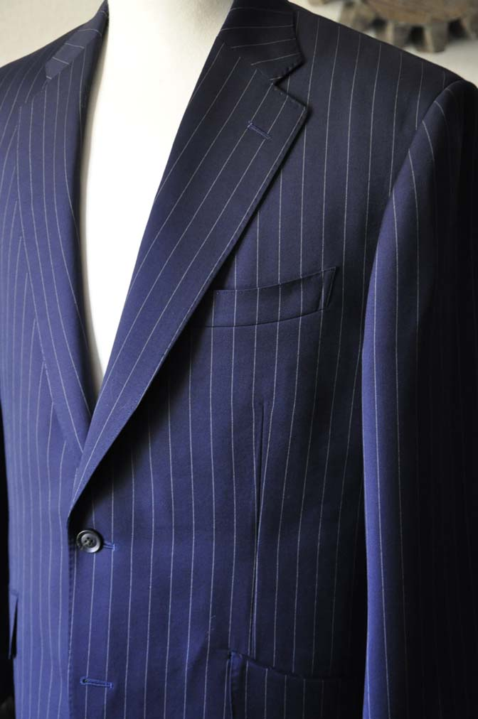 DSC1043-1 お客様のスーツの紹介- Biellesi ネイビーストライプスーツ-