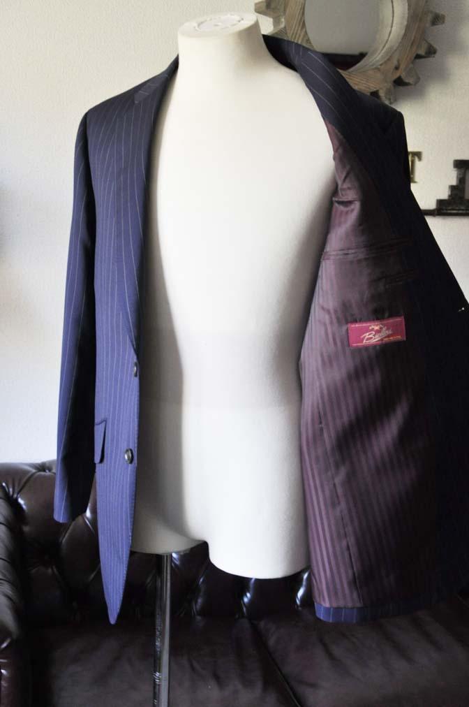 DSC1046-1 お客様のスーツの紹介- Biellesi ネイビーストライプスーツ-