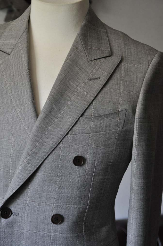 DSC1056-1 スーツの紹介- 御幸毛織 グレーウィンドペン ダブルスーツ- 名古屋の完全予約制オーダースーツ専門店DEFFERT