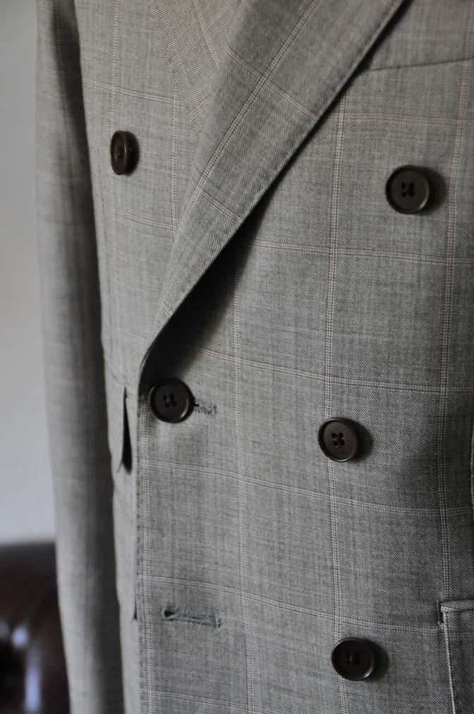 DSC1058-1 スーツの紹介- 御幸毛織 グレーウィンドペン ダブルスーツ- 名古屋の完全予約制オーダースーツ専門店DEFFERT