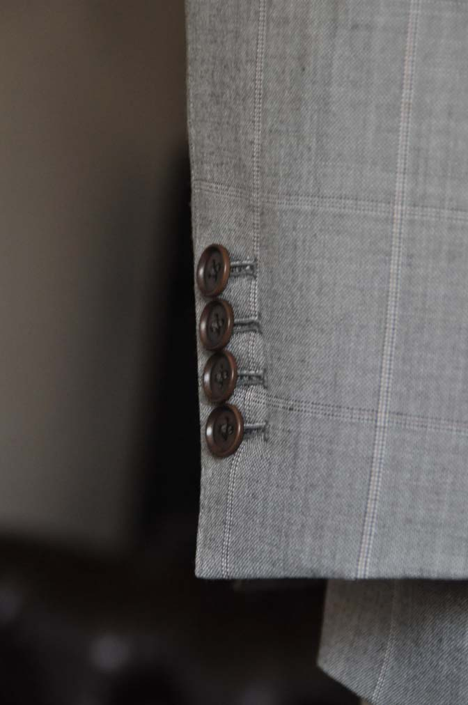 DSC1061-1 スーツの紹介- 御幸毛織 グレーウィンドペン ダブルスーツ- 名古屋の完全予約制オーダースーツ専門店DEFFERT