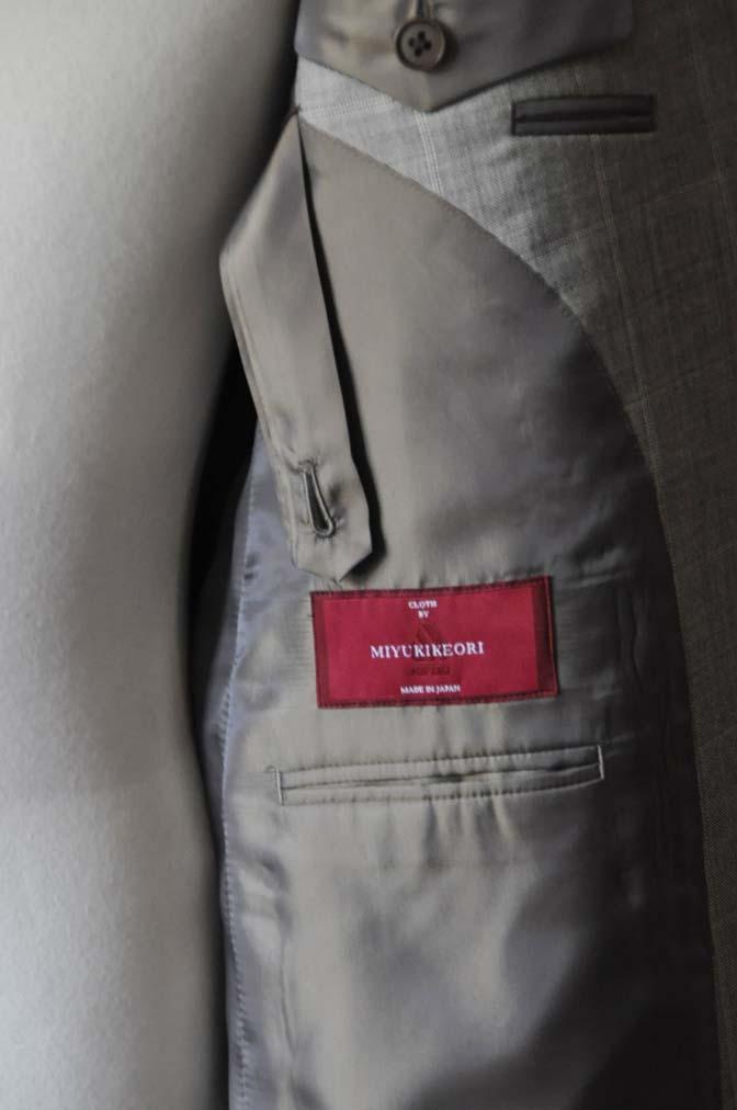 DSC1063-1 スーツの紹介- 御幸毛織 グレーウィンドペン ダブルスーツ- 名古屋の完全予約制オーダースーツ専門店DEFFERT