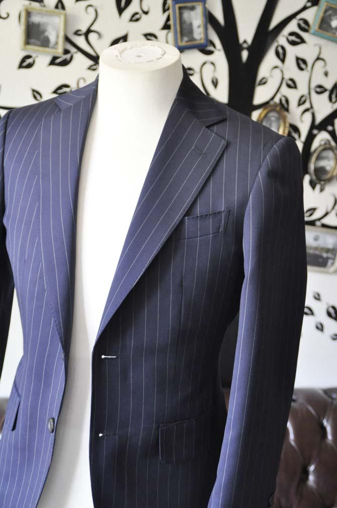 DSC1067-1 お客様のスーツの紹介-Biellesiネイビーストライプスーツ- 名古屋の完全予約制オーダースーツ専門店DEFFERT