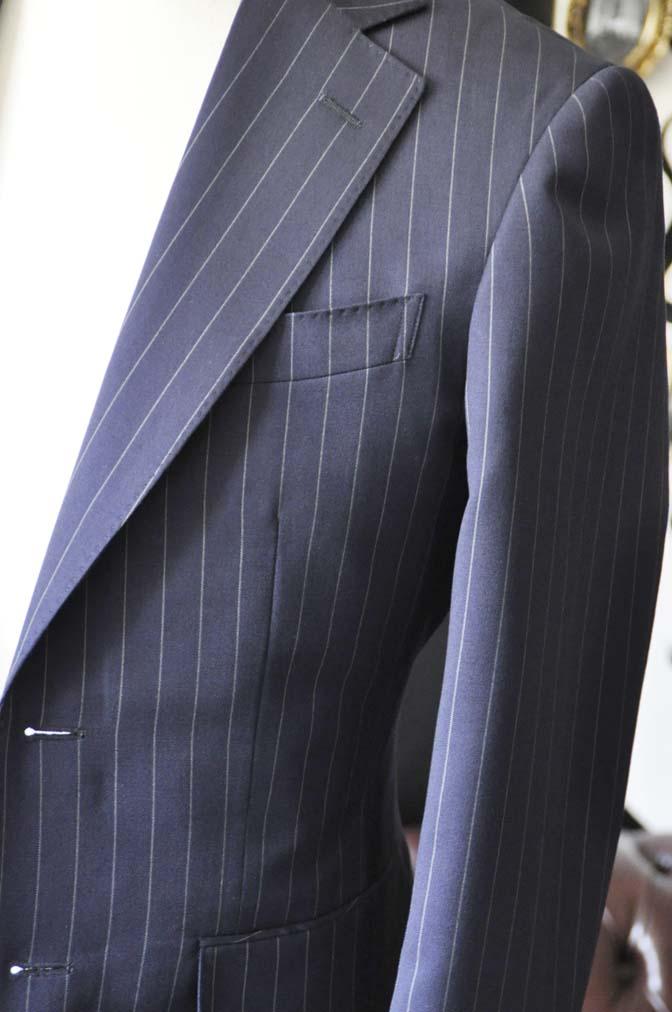DSC1069-1 お客様のスーツの紹介-Biellesiネイビーストライプスーツ- 名古屋の完全予約制オーダースーツ専門店DEFFERT