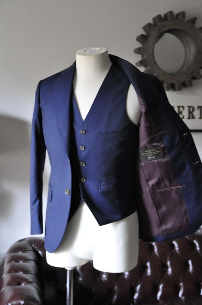 DSC1072-1 お客様のスーツの紹介- Canonico 無地ネイビースリーピーススーツ- 名古屋の完全予約制オーダースーツ専門店DEFFERT