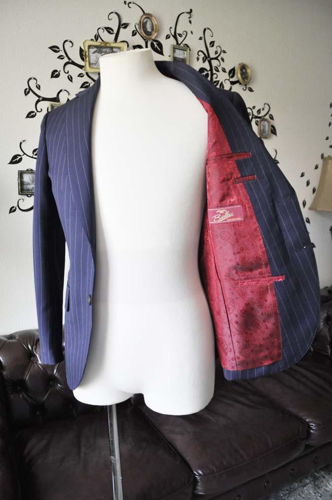 DSC1074-2 お客様のスーツの紹介-Biellesiネイビーストライプスーツ- 名古屋の完全予約制オーダースーツ専門店DEFFERT