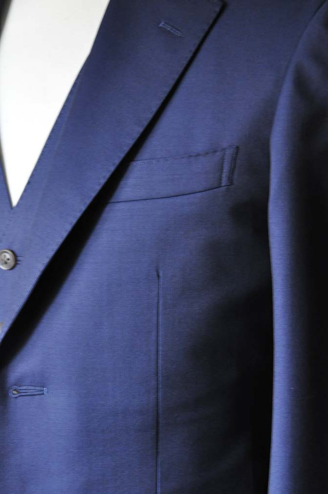 DSC1080-1 お客様のスーツの紹介- Canonico 無地ネイビースリーピーススーツ- 名古屋の完全予約制オーダースーツ専門店DEFFERT