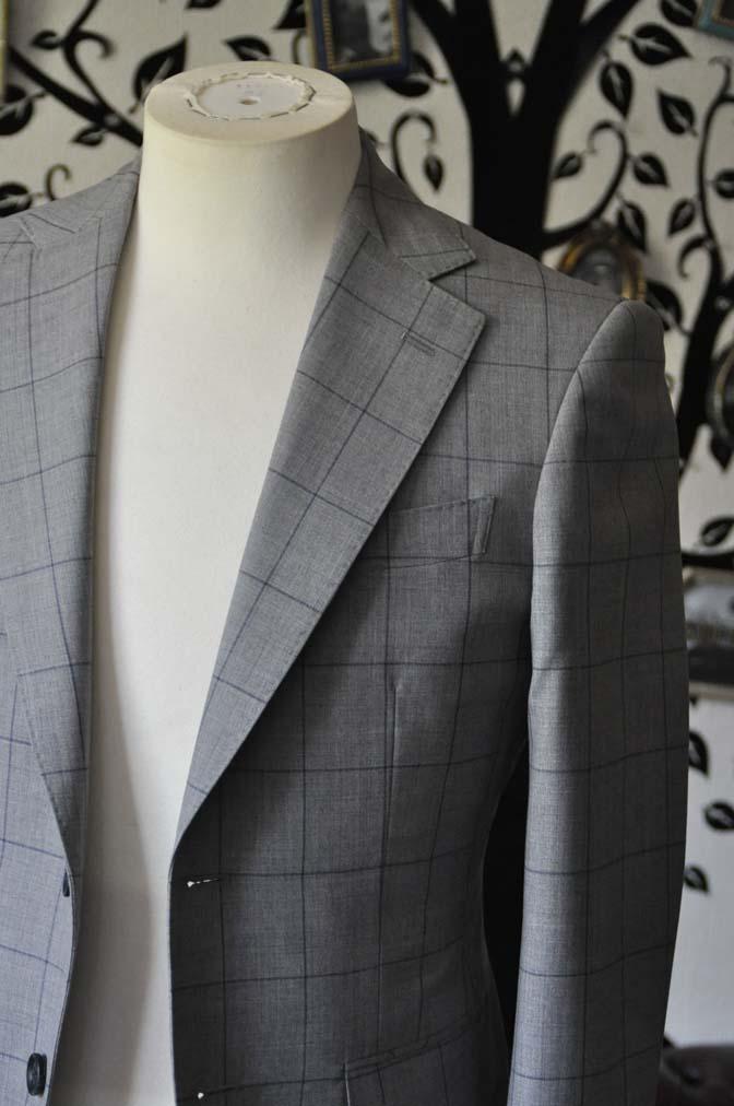 DSC1082-2 お客様のスーツの紹介-Biellesiグレーウィンドペンスーツ- 名古屋の完全予約制オーダースーツ専門店DEFFERT