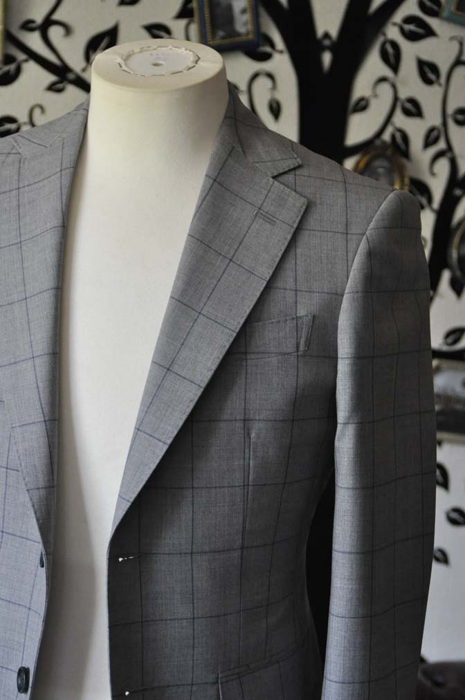 DSC1082-2 お客様のスーツの紹介-Biellesiグレーウィンドペンスーツ-