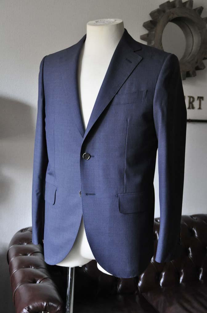 DSC1088 お客様のスーツの紹介- Canonico 無地ネイビースーツ- 名古屋の完全予約制オーダースーツ専門店DEFFERT