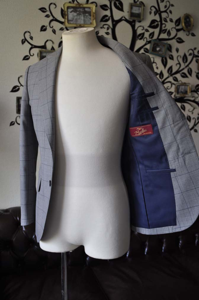 DSC1090-2 お客様のスーツの紹介-Biellesiグレーウィンドペンスーツ-