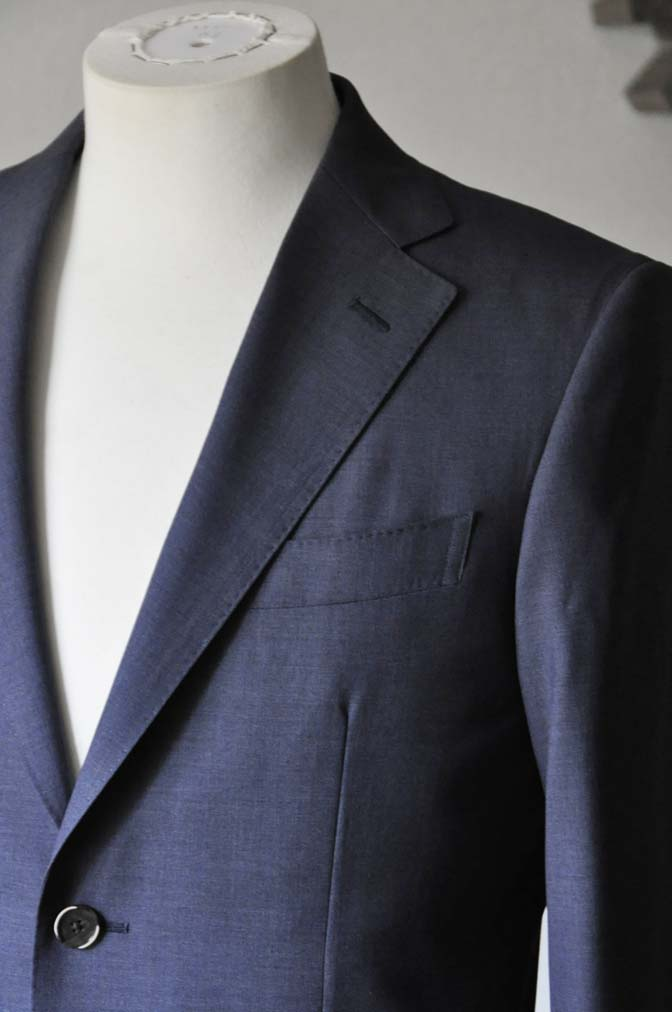 DSC1095 お客様のスーツの紹介- Canonico 無地ネイビースーツ- 名古屋の完全予約制オーダースーツ専門店DEFFERT