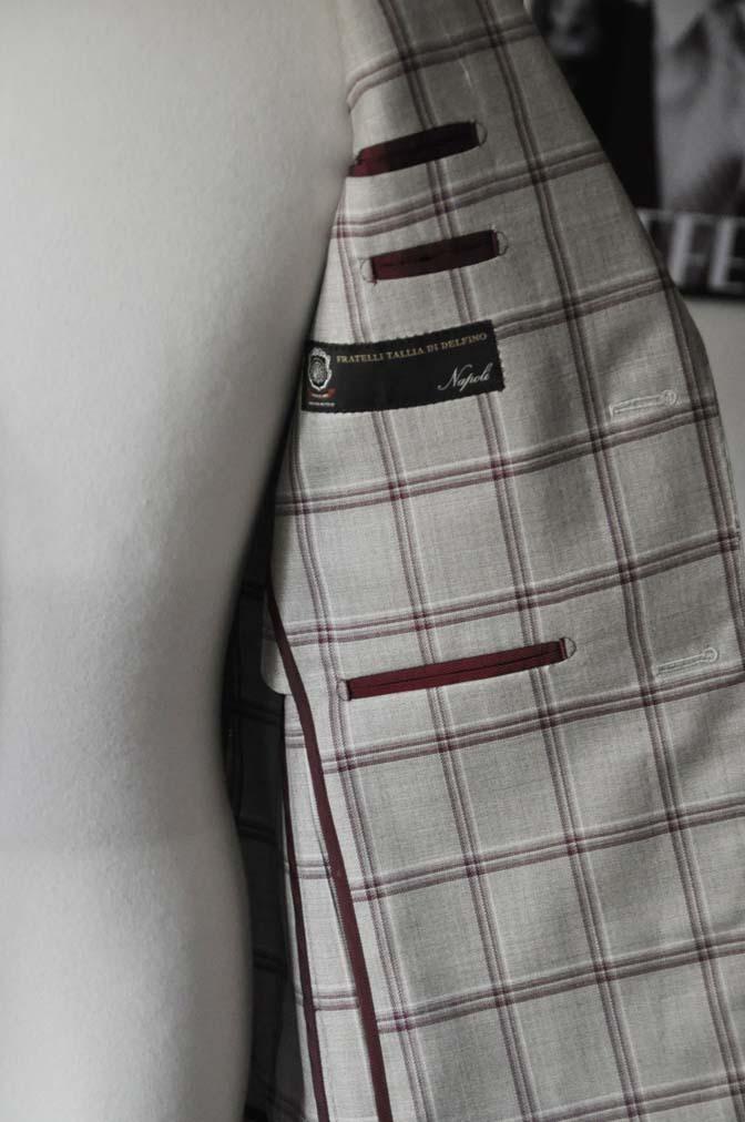 DSC1099 お客様のジャケットの紹介-TALLIA DI DELFINO ベージュ/レッドウィンドペン-