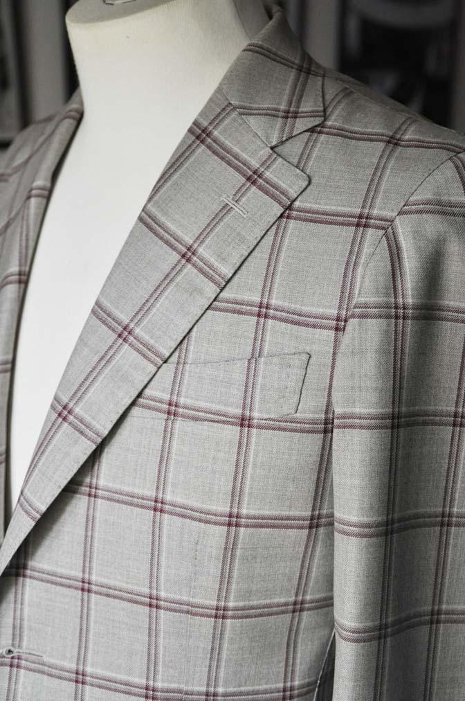 DSC1103 お客様のジャケットの紹介-TALLIA DI DELFINO ベージュ/レッドウィンドペン-