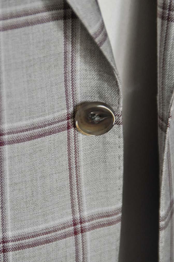 DSC1106 お客様のジャケットの紹介-TALLIA DI DELFINO ベージュ/レッドウィンドペン-