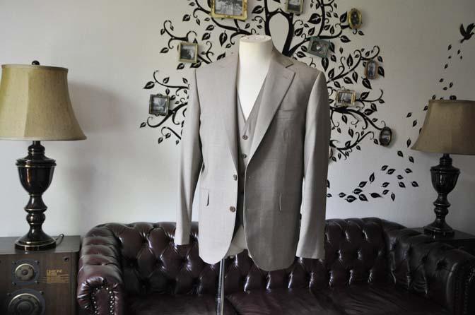 DSC1109-1 お客様のスーツの紹介-REDA ライトブラウンスリーピース- 名古屋の完全予約制オーダースーツ専門店DEFFERT