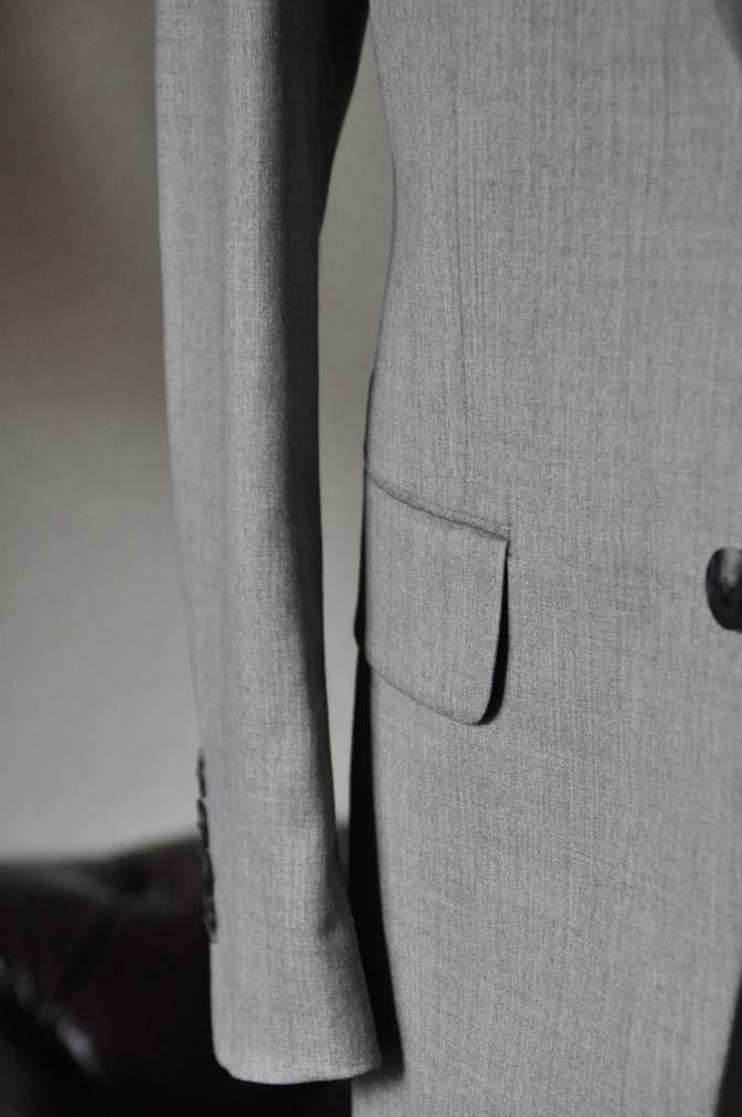 DSC1122-1 お客様のウエディング衣装の紹介-Biellesi ライトグレースーツ ネイビーベスト- 名古屋の完全予約制オーダースーツ専門店DEFFERT