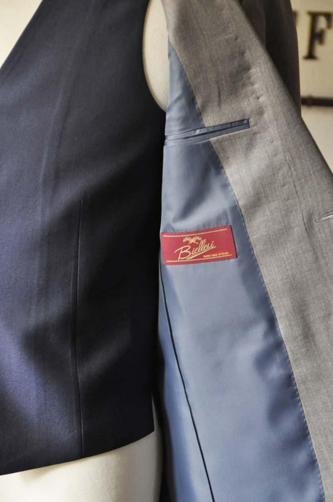 DSC1126-1 お客様のウエディング衣装の紹介-Biellesi ライトグレースーツ ネイビーベスト- 名古屋の完全予約制オーダースーツ専門店DEFFERT