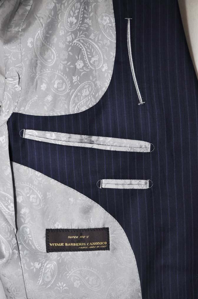 DSC1132 お客様のスーツの紹介-CANONICO ネイビーストライプ-