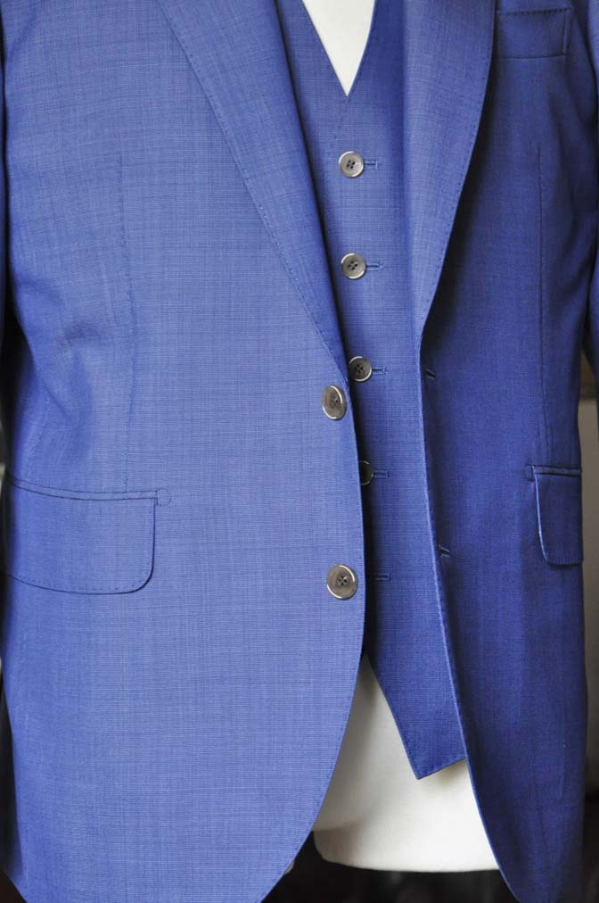 DSC1137-1 お客様のスーツの紹介-CANONICOネイビースリーピース-