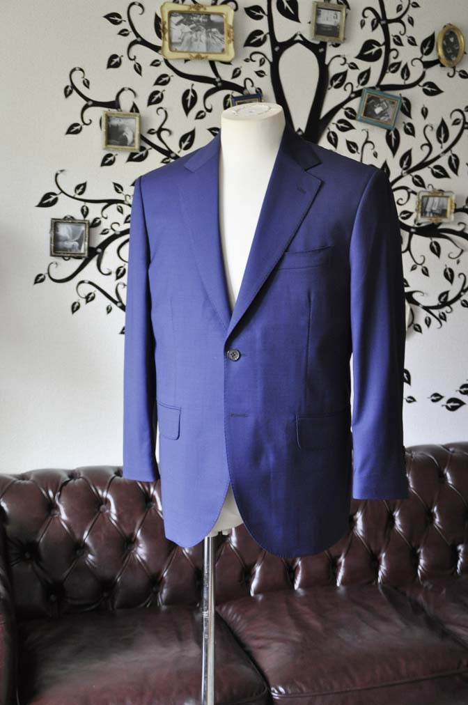 DSC1150-2 お客様のスーツの紹介-Biellesi無地ネイビースーツ-