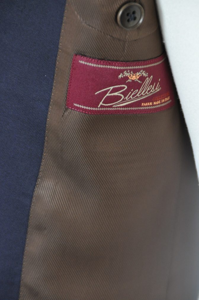 DSC11565 お客様のスーツの紹介-BIELLESI 無地ネイビースーツ-