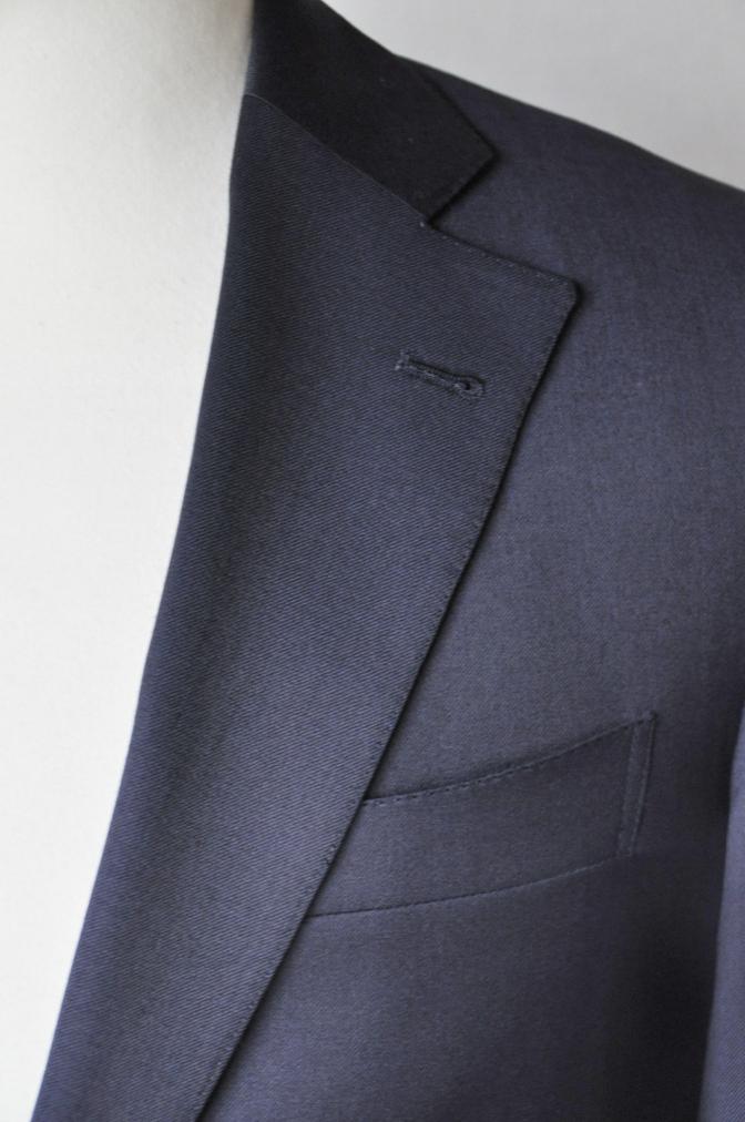 DSC11585 お客様のスーツの紹介-BIELLESI 無地ネイビースーツ-