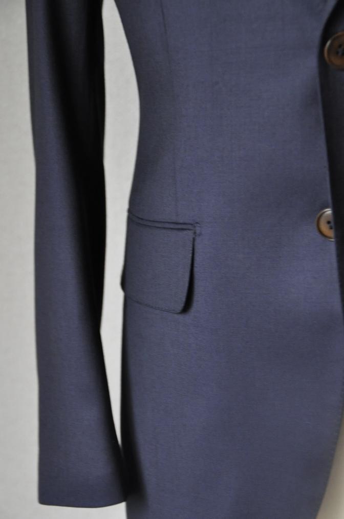 DSC11623 お客様のスーツの紹介-BIELLESI 無地ネイビースーツ-