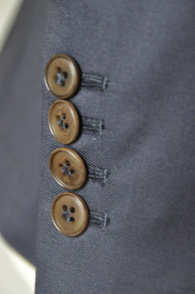 DSC11633 お客様のスーツの紹介-BIELLESI 無地ネイビースーツ-