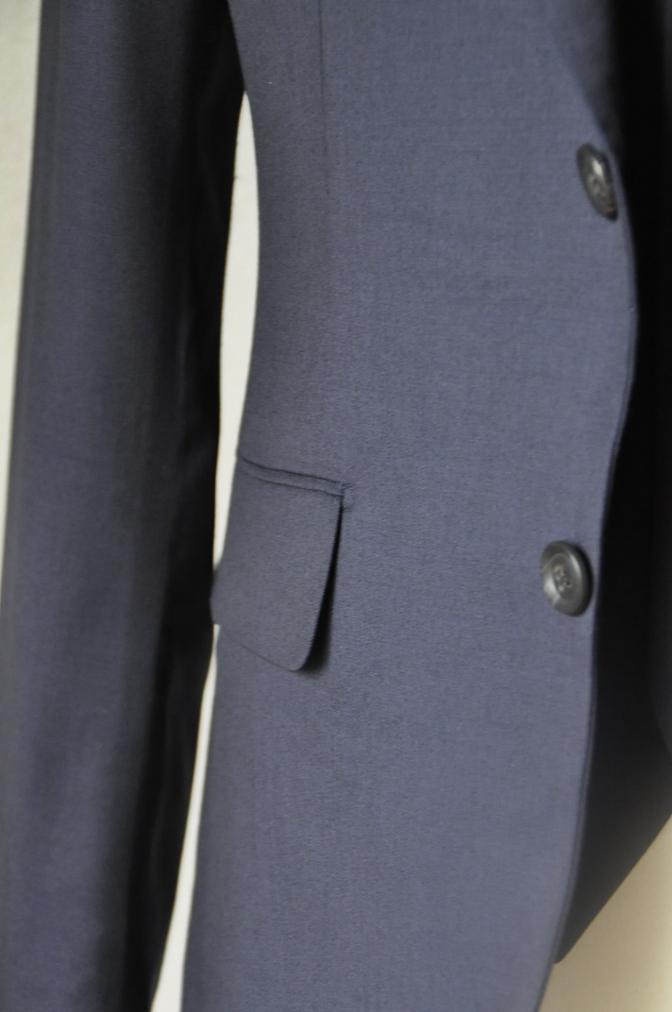 DSC11751 お客様のウエディング衣装の紹介-無地ネイビースリーピースにチェックパンツ-