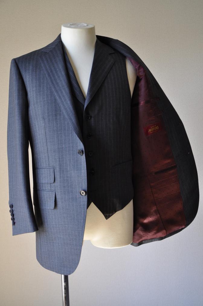 DSC12081 お客様のスーツの紹介-御幸毛織 グレーストライプ-